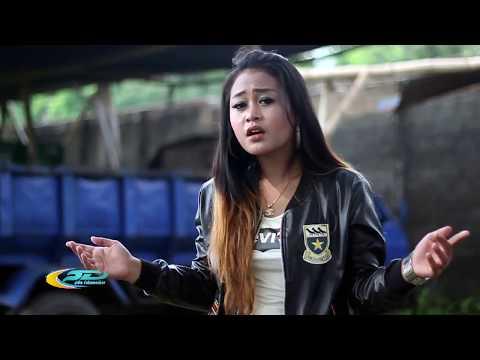 Salsa Kirana - Undangan Rabi Cipt. R Husin Albana [Official Video]