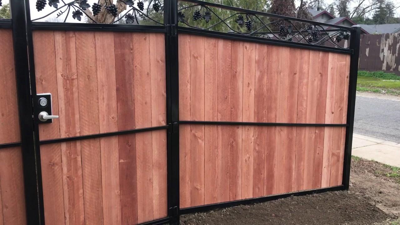 Custom Wood Fence With Iron Post Rails G Vines