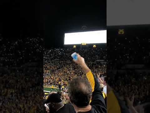 Pat Green, Wave on Wave at Kinnick