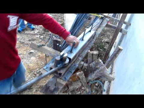 เครื่องดัดเหล็ก The bending steel machine