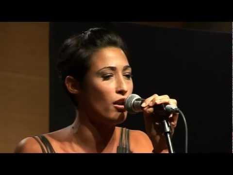 Musica è 2011 – Nora Ester – All I could do was cry.avi
