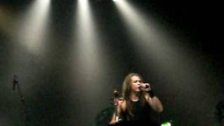 Eicca from Apocalyptica fails to excite the crowd