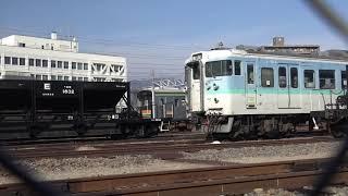 新たに廃車置場にホキB編成E編成が加わり、重機がスクラップとなった車両をトラックへ積んでる、長野総合車両センター。