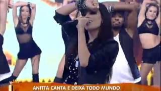 Anitta canta 'Show das Poderosas' no Legendários (06/07)