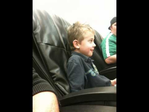 Superieur KIds Try Massage Chair For 1st Time!
