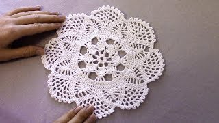 Вязание крючком. Белая салфетка-цветок крючком