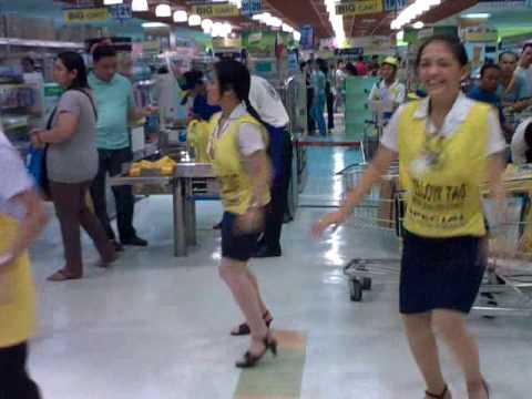 SM City Manila SUPERmarket - Dancing Employees - PHILIPPINES