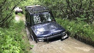 VW Touareg против подготовленных джипов на реке Коваши