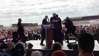 Secret Service Scrambles as Man Attempts to Rush Stage at Trump Rally
