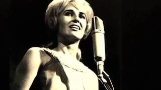 Watch Tammy Wynette Cry video