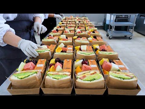 Download 주문 폭주! 대량으로 만드는 재료 빵빵 샌드위치 과일 도시락, Sandwich master, Sandwiches made in bulk, Korean street food