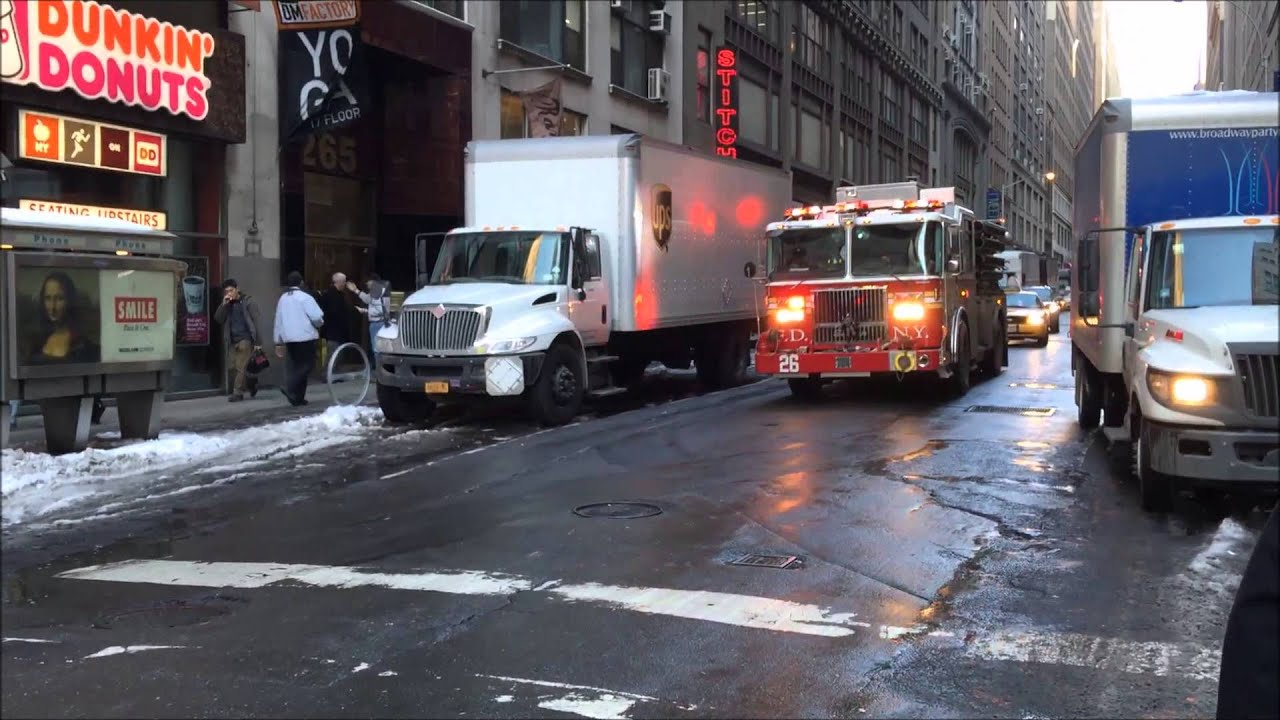 Fdny engine 26 responding on w 37th street in hell 39 s for Hell s kitchen season 16 cast