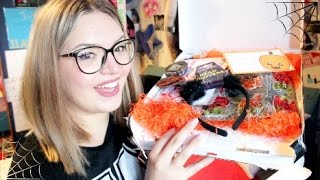 HALLOWEEN BOX UNBOXING!! | ilamakeup02 ft. BuzzMyVideos