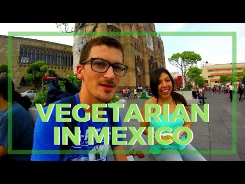 "The Spanish Verb ""Picar"" @ the Vegetarian Market in GDL - Vlog"
