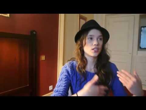 Astrid Berges-Frisbey à Paris 1/2