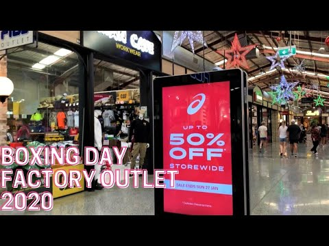 boxing-day-shopping-at-liverpool-fashion-outlet
