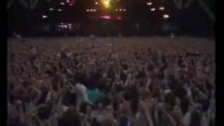 Queen - Bohemian Rhapsody (Live At Wembley