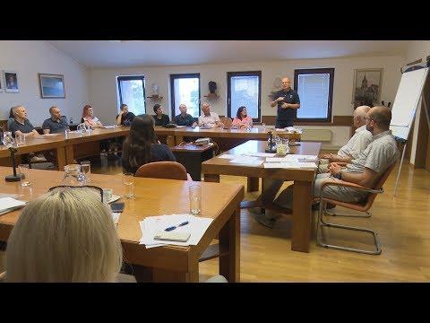 Okrogla miza o pravilniku zakona o osebni asistenci