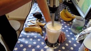 Молочный коктейль с блендером Scarlett SC-HB42F23