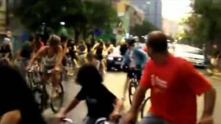 Car hits some cyclists in Porto Alegre