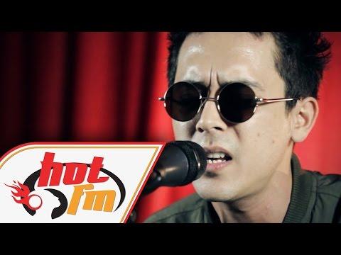 BUNKFACE - MALAM INI KITA PUNYA (LIVE) - Akustik Hot - #HotTV