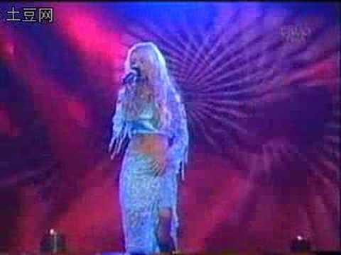 Unduh lagu Christina-Pero me acuerdo de ti gratis
