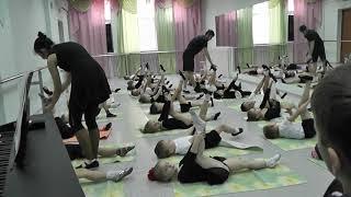 Открытый урок по народному танцу.