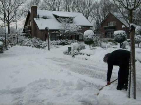 sneeuwruimen20091221wmv
