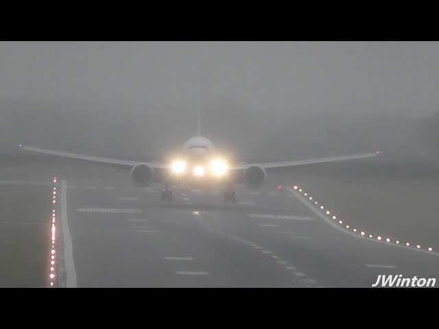 EXPO 2020 Emirates 777 A6-ENH wet landing at Newcastle Airport 2019