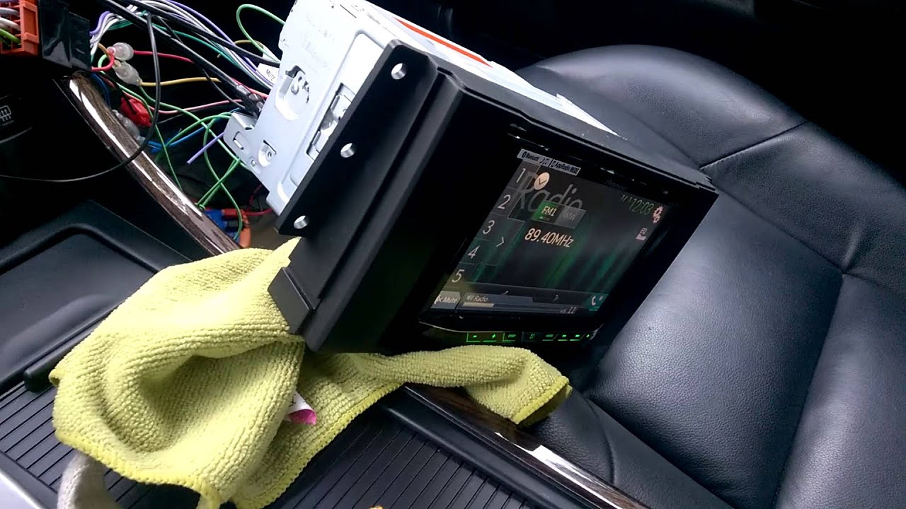 pioneer avh 5700bt installation in to range rover sport youtube  at 2006 Range Rover Sport Wiring Harness Logic 7