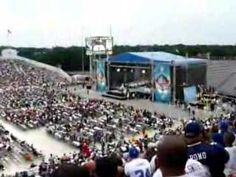 Marv Levy inducts Thurman Thomas Hall of Fame