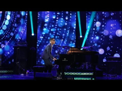 Sixteen-year-old Matthew Whitaker has performed around the world, at The Apollo, and now the incredibly talented pianist performs for Ellen!