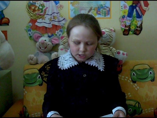 Изображение предпросмотра прочтения – СофьяАлексеева читает произведение «Крохотки: Костер и муравьи» А.И.Солженицына