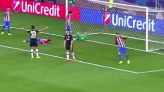 Con increíble triple atajada, portero Oblak salva al Atlético de Madrid del Bayer