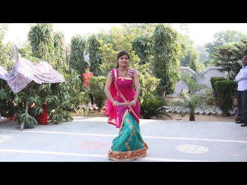 इस लड़की का डांस देखने के लिए लग जाती है लोगों भीड़ || तेरी सौगन्ध राजाजी || Virendra Mahana Rasiya