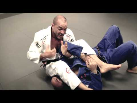 Mike Powers jiu jitsu teaching Kimura Grip  Arm Bar  Bow & Arrow Choke