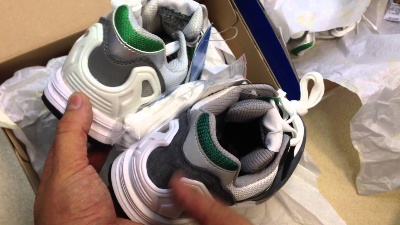 Обзор кроссовок Adidas ZX700 - YouTube