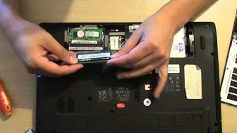 Acer Aspire 5755G: How to Remove / Insert Memory Module (RAM)