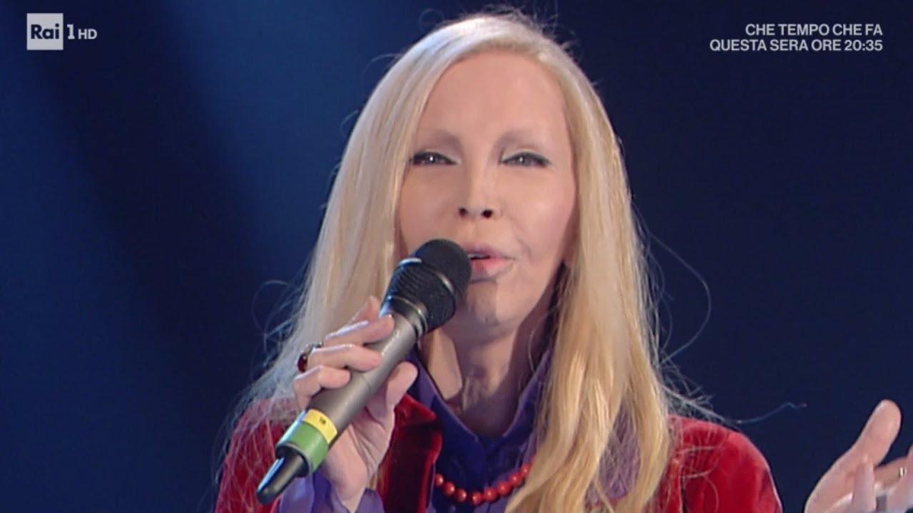 Patty Pravo canta