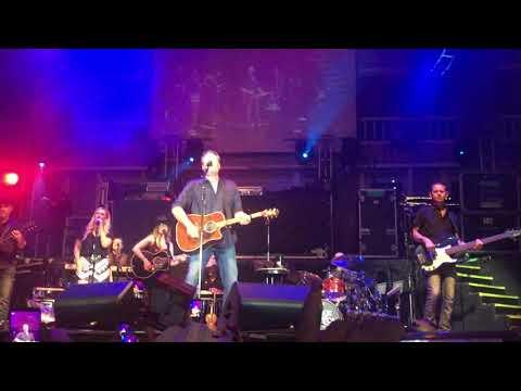 blake-shelton---doin'-what-she-likes---cowboys-dancehall-pop-up-show-in-san-antonio-9-21-2018