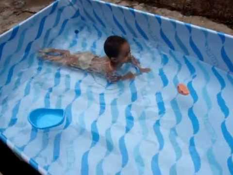Gabriel Nadando Na Piscina De Pl Stico Youtube