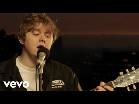 Lewis Capaldi - Before You Go (Live From The Capitol Rooftop)