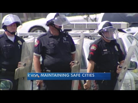 How do Austin area agencies handle tense situations?