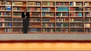 Самая большая библиотека Германии путешествует во времени