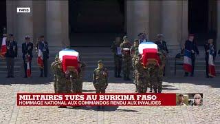 Hommage national aux deux commandos : les cercueils portés par les commandos marine