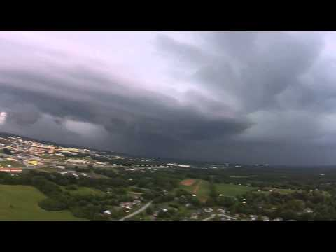 06.04.14: Rare isolated supercell over Bowling Green, KY