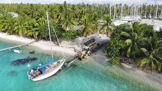 Hauling Out A Sailing Yacht On A Pacific Atoll Reef - Ep. 61 Thula Sailing