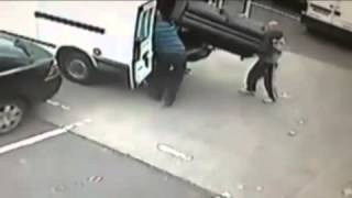 OMG!! THe Worst Robbery Attempt LOL