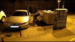 Patrullas de vecinos en las calles cercanas al albergue de la Macarena