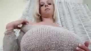 не порно 2 , ню ОЧЕНЬ большая эротичная грудь )